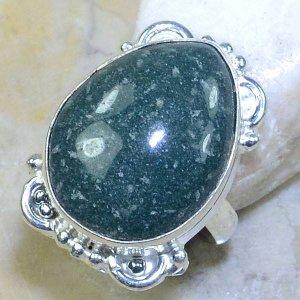 טבעת כסף משובצת אבן ג'ספר ירוק מידה: 6.75