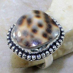 טבעת כסף בשיבוץ צדף מידה: 8.25