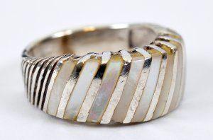 טבעת כסף בשיבוץ אם הפנינה