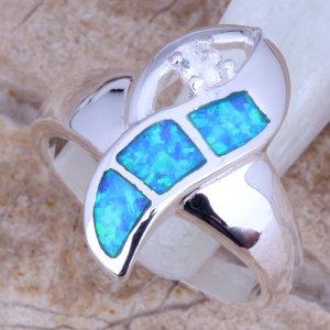 טבעת כסף משובצת אבני אופל כחול