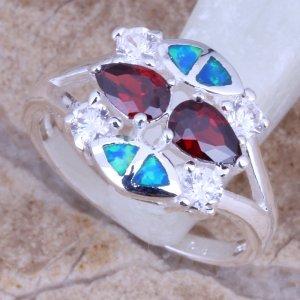טבעת כסף משובצת אבני גרנט ואופל