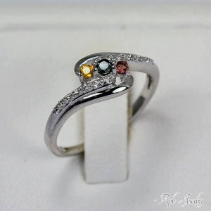 טבעת כסף משובצת אבני ספיר