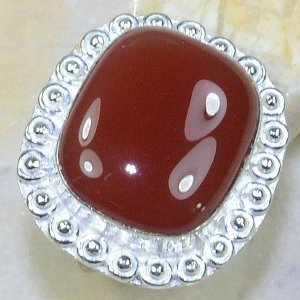 טבעת כסף משובצת באבן קרנליאן מידה: 8.5