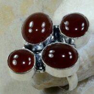 טבעת כסף משובצת 4 אבני קרנליאן מידה: 8.25