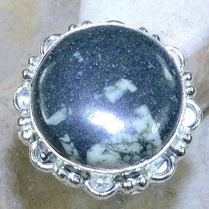 טבעת כסף משובצת אבן ג'ספר ירוק מנומר מידה: 7.25