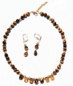 שרשרת מאבני טייגר אי זהב ועגילים עיצוב טיפה