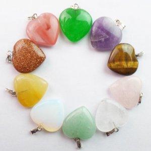 תליון אבן קטן מסוגים שונים עיצוב לב