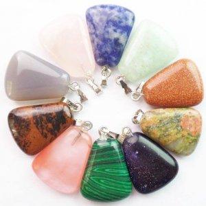 תליון אבן מסוגים שונים קטן