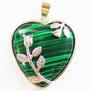 תליון מאבן מלכית מוכסף עיצוב לב