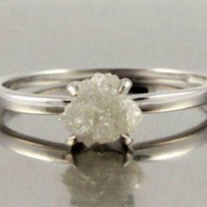 טבעת כסף 925 בשיבוץ יהלום גלם לבן 0.74 קרט