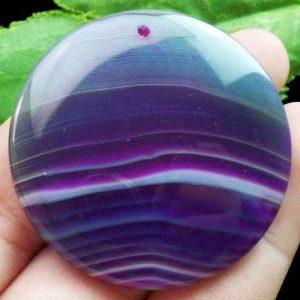 תליון מאבן אגט אוניקס גווני סגול עיצוב עגול