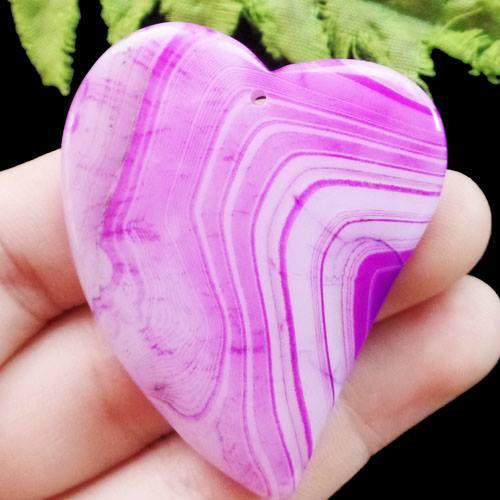 תליון מאבן אגט אוניקס גווני ורוד עיצוב לב