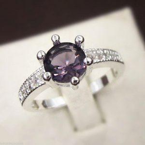 טבעת כסף בשיבוץ אבן אמטיסט מידה: 8