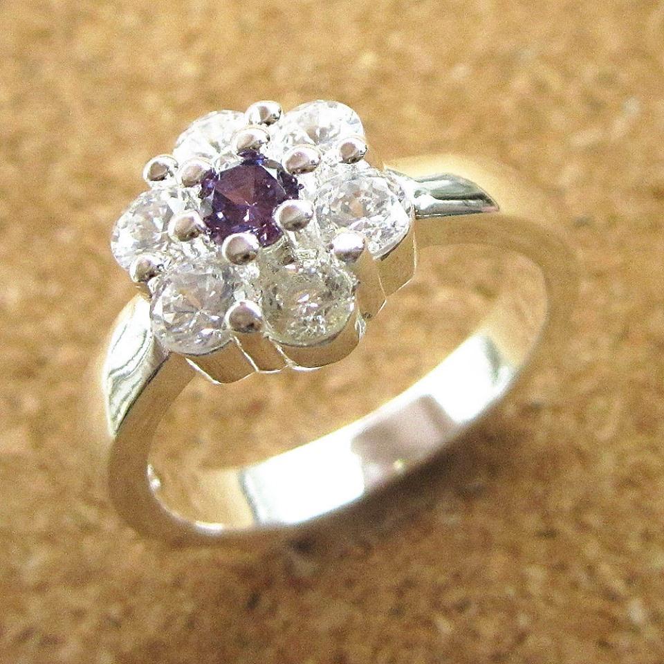 טבעת כסף משובצת אמטיסט וזירקונים מידה: 8