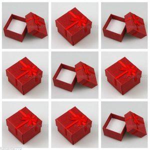 """4 קופסאות אריזה לתכשיט עם סרט גוון אדום מידה: 41*41 מ""""מ"""