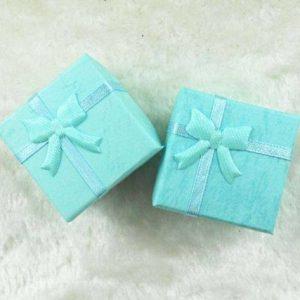 4 קופסאות אריזה לתכשיט עם סרט גוון ירוק טורקיז