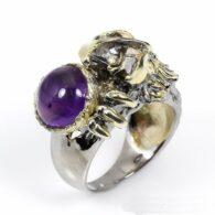 טבעת עבודת יד בשיבוץ אמטיסט כסף וציפוי זהב עיצוב נשר