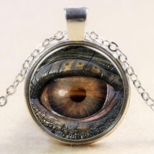 תליון ושרשרת מוכסף בשיבוץ עין הדרקון (נגד עין הרע)
