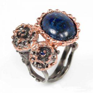 טבעת עבודת יד בשיבוץ לאפיס לג'ולי וספיר כסף ציפוי זהב ורודיום שחור