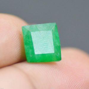 """אמרלד מלוטש לשיבוץ (זמביה) תעודה 2.50 קרט עיצוב מרובע מידות: 4.73*7.75*8.22 מ""""מ"""