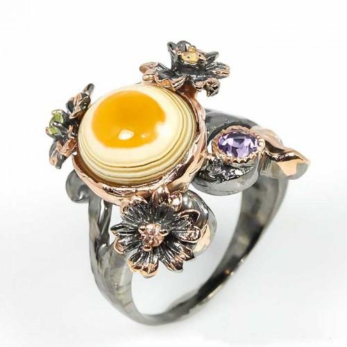 טבעת עבודת יד בשיבוץ אגט אמטיסט וספיר כסף ציפוי זהב ורודיום שחור