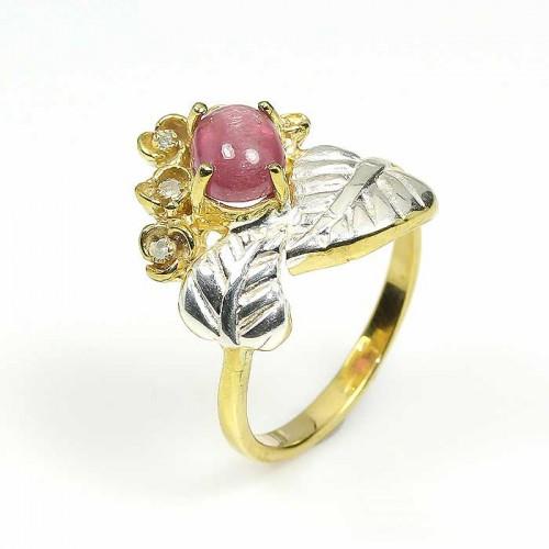 טבעת עבודת יד בשיבוץ רובי סטאר וטופז כחול כסף וציפוי זהב