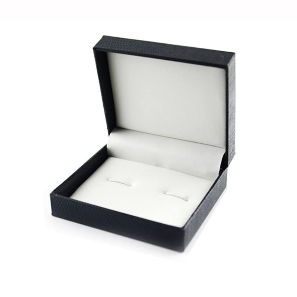 """קופסת תכשיטים מהודרת שחורה מידות: 7*8 ס""""מ"""