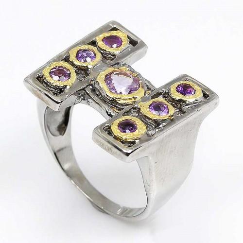 טבעת עבודת יד בשיבוץ אבני אמטיסט כסף ציפוי זהב ורודיום שחור