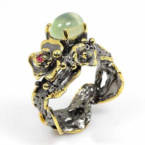 טבעת עבודת יד בשיבוץ אבני פרינהייט ורובי כסף ציפוי זהב ורודיום שחור