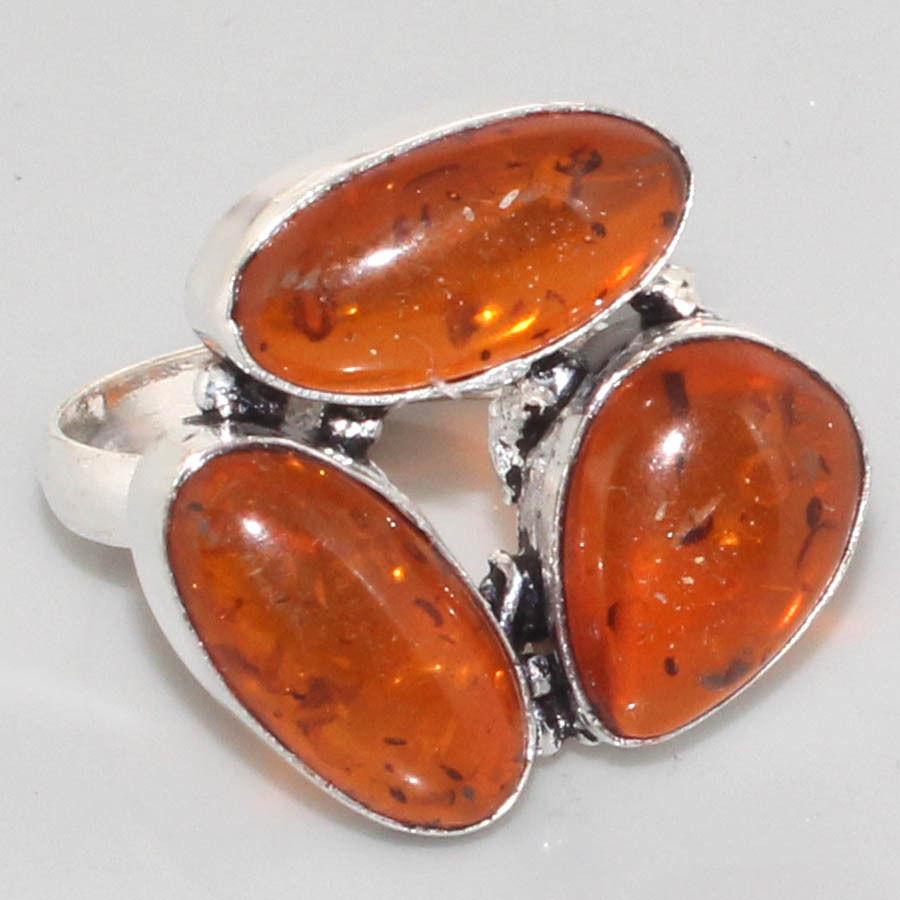 טבעת בשיבוץ ענבר כסף 925 מידה: 9