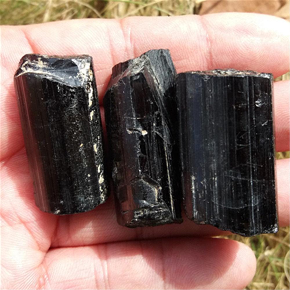 טורמלין שחור גלם משובח משקל: 30 גרם