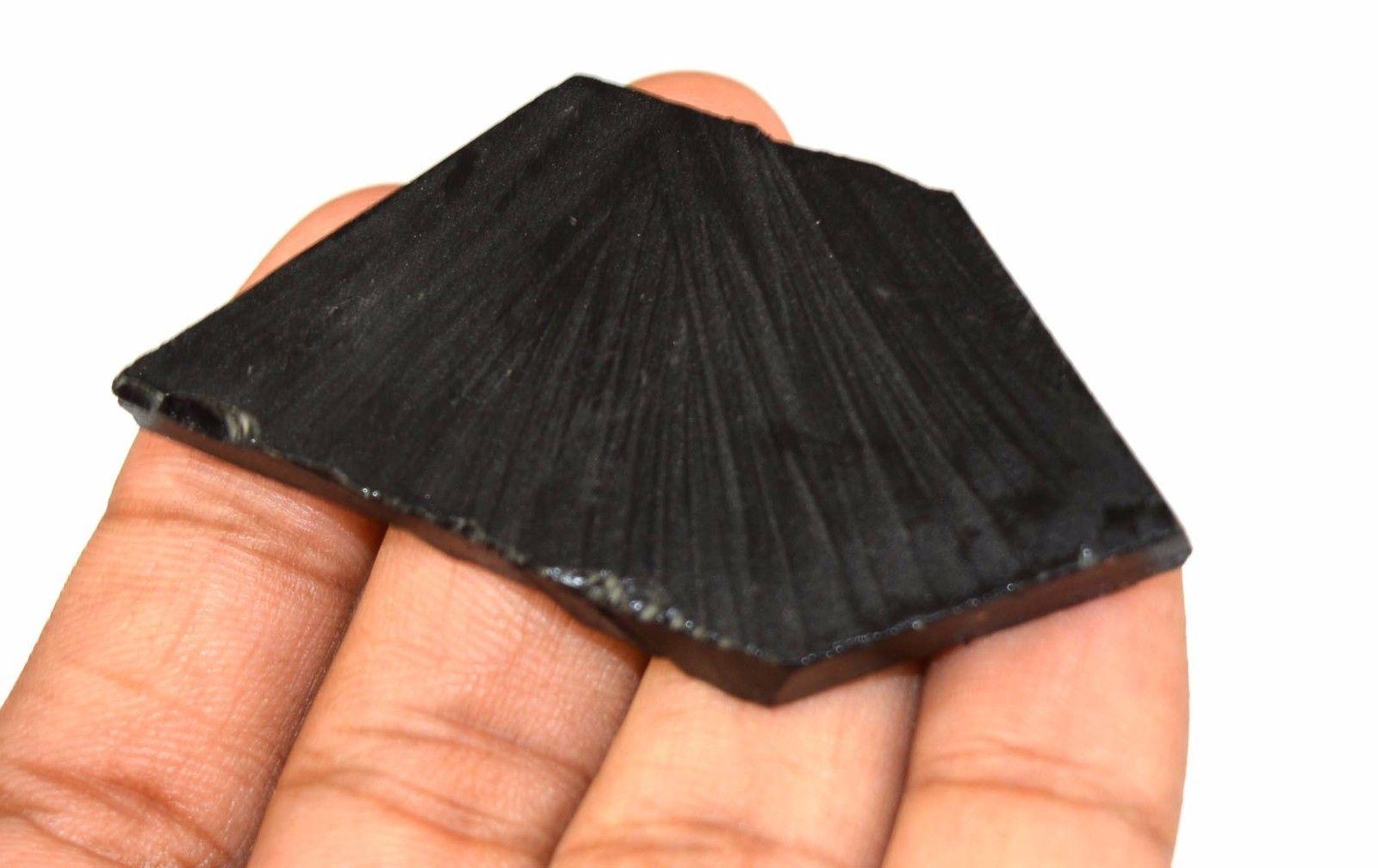 אוניקס שחור גלם לליטוש (ברזיל) 97 קרט
