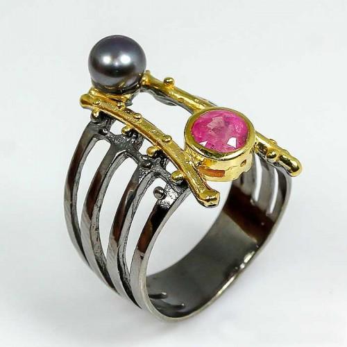 טבעת בשיבוץ רובי ופנינה שחורה טבעת יוקרה עבודת יד מידה: 7