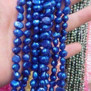 """שרשרת פנינים גוון כחול מידות: 6*7 מ""""מ"""