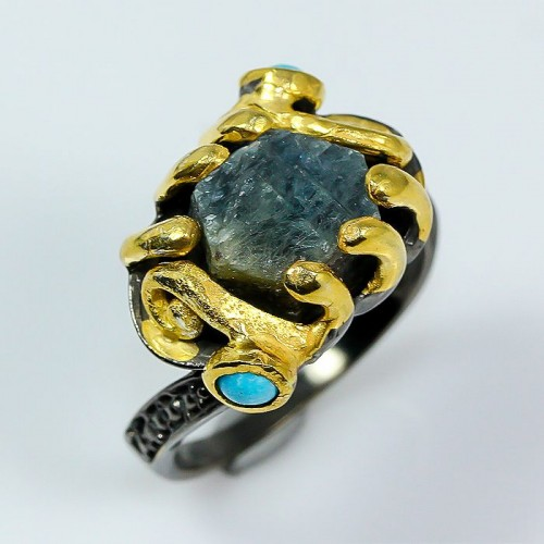 טבעת בשיבוץ ספיר גלם כחול וטורקיז תכשיט יוקרה עבודת יד