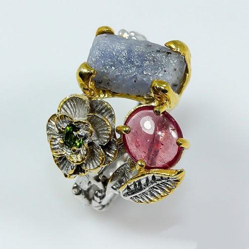 טבעת בשיבוץ ספיר גלם רובי ודיופסיד תכשיט יוקרה עבודת יד