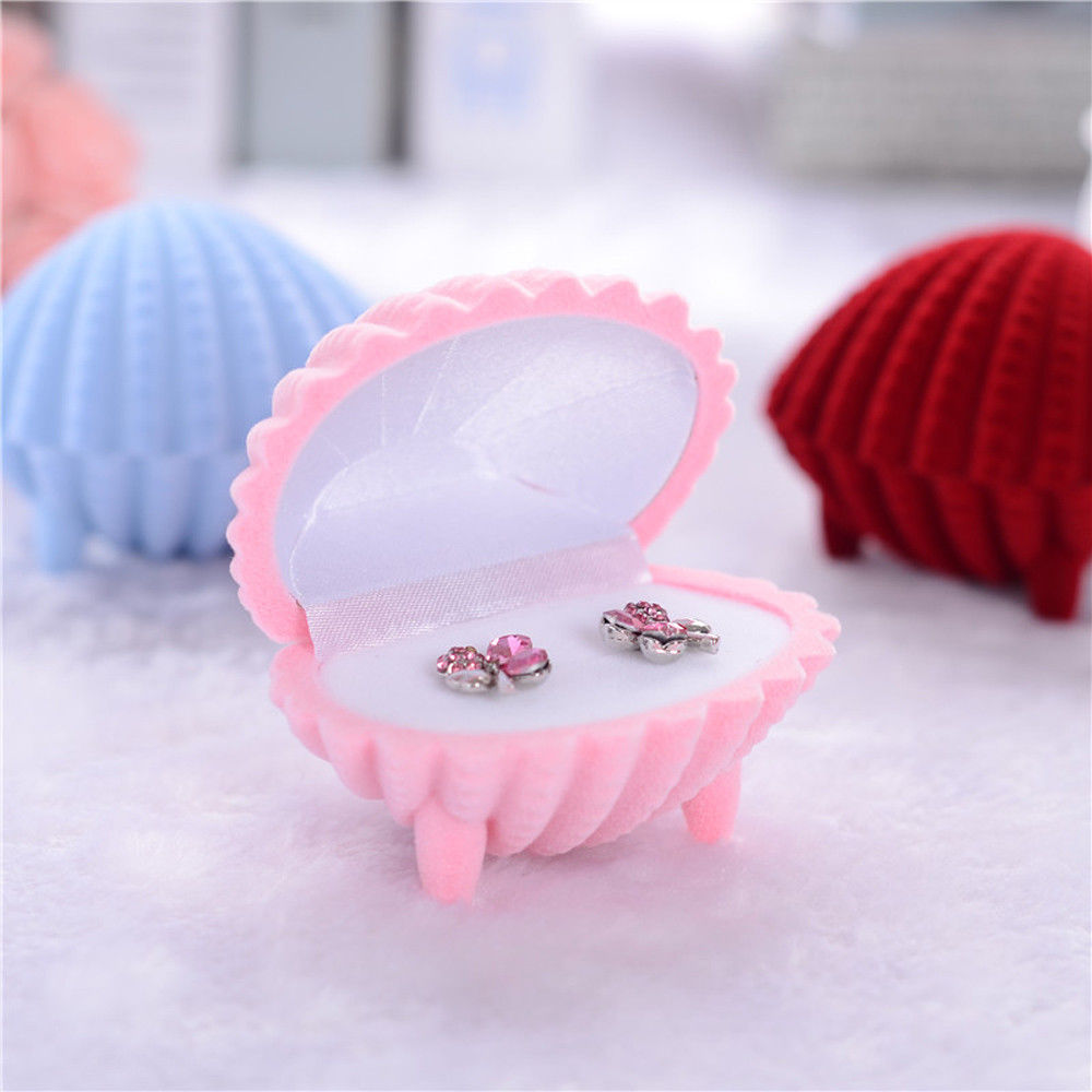 קופסת מתנה מהודרת לטבעת או עגילים עיצוב צדף ורוד