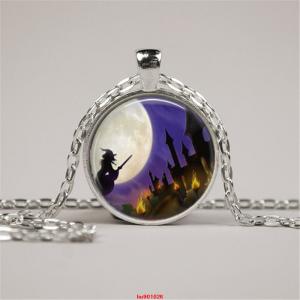 תליון ושרשרת ויקה מוכסף סמל מכשפה לאור ירח