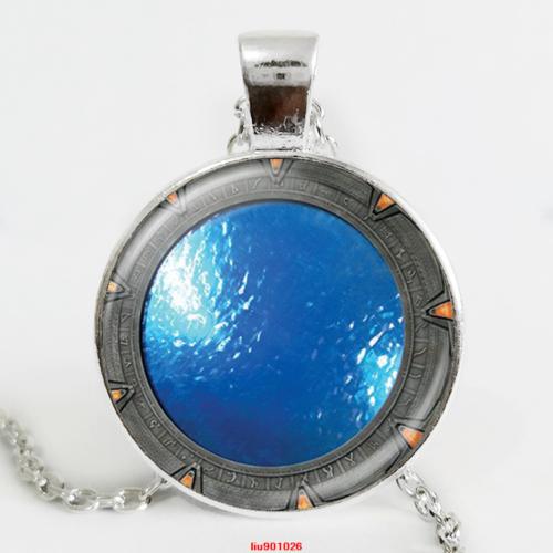תליון ושרשרת מוכסף סמל סטארגייט הפתח לאטלנטיס גווני כחול