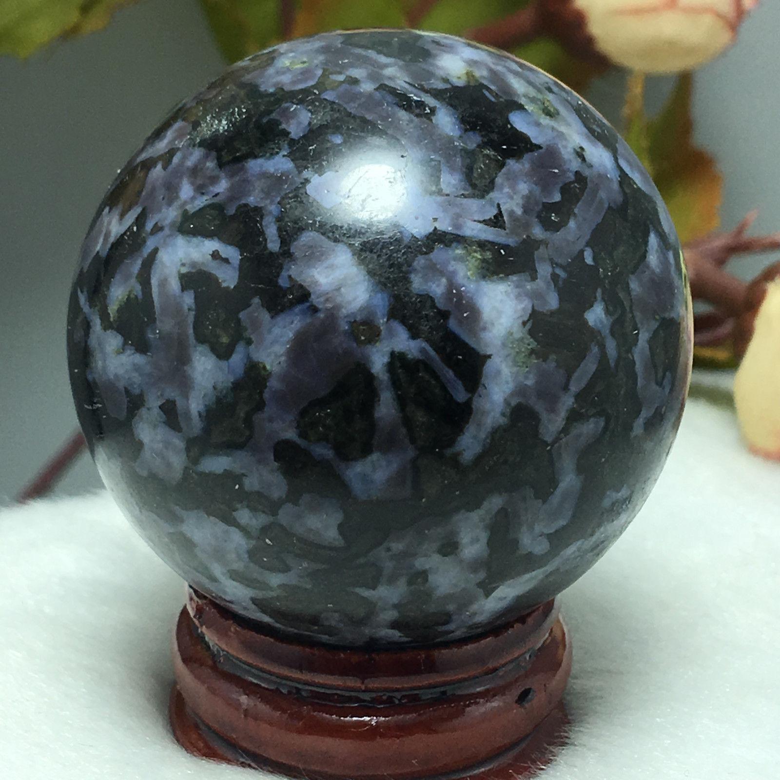 """כדור דרגון סטון שחור ומעמד עץ מסוגנן משקל: 116 גרם קוטר: 41 מ""""מ:"""