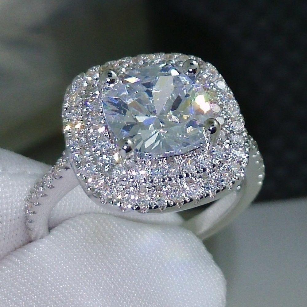 טבעת כסף בשיבוץ טופז מידה: 7 הטבעת: 3.2 גרם