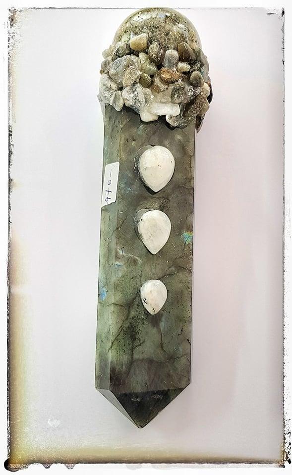 מוט טיפולים - מוט כישופים עבודת יד מאבני לברדורייט ומונסטון