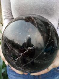 כדור קוורץ שחור ענק לאספנים... משקל: 8465 גרם
