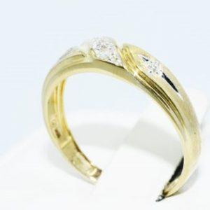 טבעת נישואין זהב צהוב בשיבוץ יהלומים לבנים 05. קרט מידה: 7.75