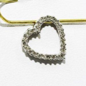 תליון זהב לבן 14 קרט בשיבוץ יהלומים 20. קרט עיצוב לב
