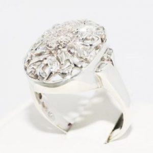 טבעת כסף בשיבוץ יהלומים לבנים 09. קרט מידה: 9.25