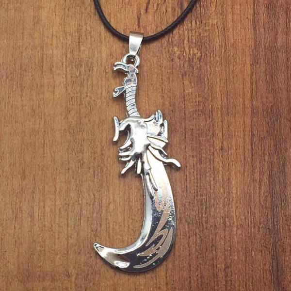 """תליון וחישוק גומי סמל חרב מעוגלת מוכסף אורך: 5.5 ס""""מ"""