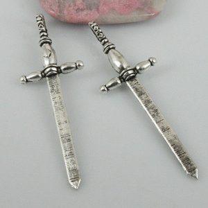 סכין או תליון לעבודת ויקה אורך: 59 מ:מ