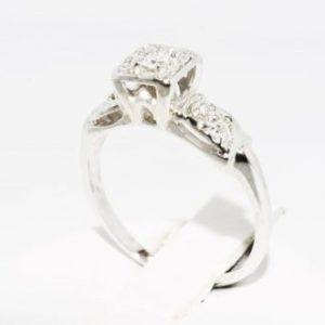 טבעת זהב לבן 14 קרט בשיבוץ יהלומים לבנים 06. קרט מידה: 4.5