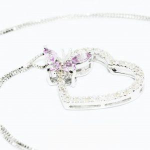 תליון ושרשרת זהב לבן בשיבוץ יהלומים לבנים וספיר ורוד 53. קרט עיצוב לב ופרפר
